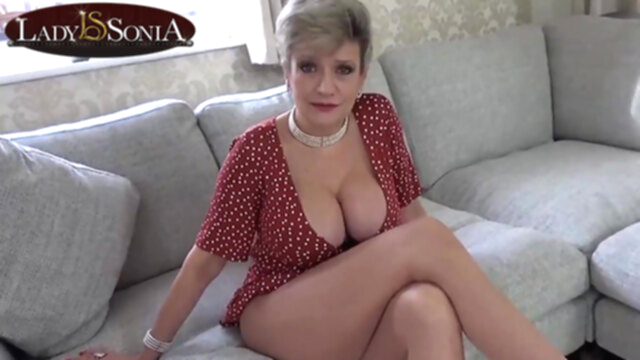Lady Sonia is always ready to give you a hand KeezMovies blonde
