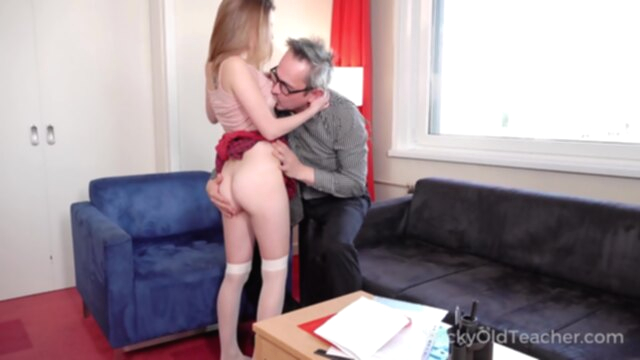 Tricky Old Teacher - Sweet student passes test in bed KeezMovies babe