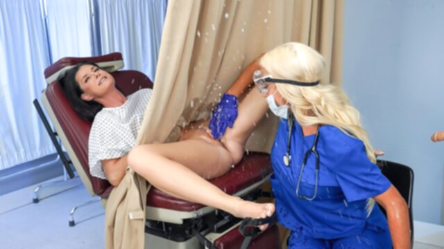 India Summer & Nicolette Shea in Banged by the Brand New Tool - RealityKings KeezMovies cunnilingus