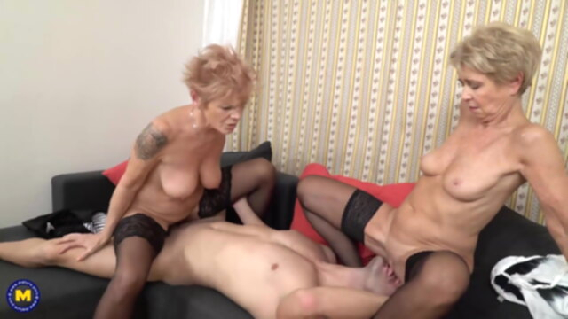 Best of mom and granny porn KeezMovies blowjob