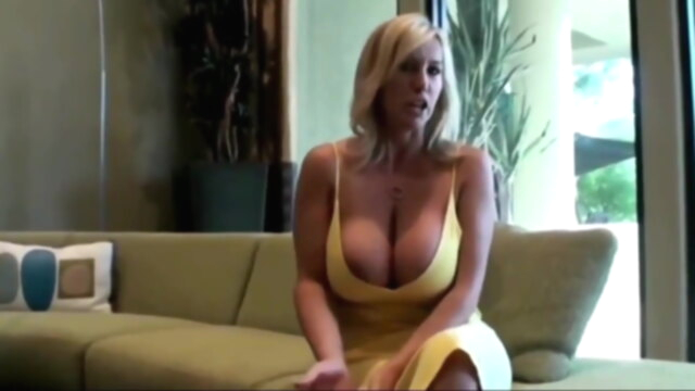 Best Friend's Mature Wife is Such a Whore KeezMovies blowjob